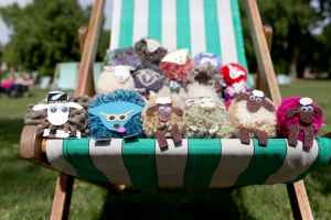 The Campaign for Wool & Shaun the Sheep's Pompom Parade attempt Guinness record at ZSL London Zoo 3 copy